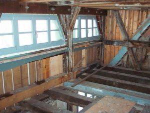 Dachstuhl mit neue Fensteranlage